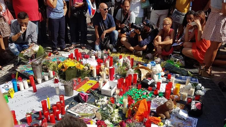 «Fini les bougies», «Pas d'amalgame [avant l']attentat suivant !» Quand les bougies ne suffisent plus à droite après les attentats de Barcelone