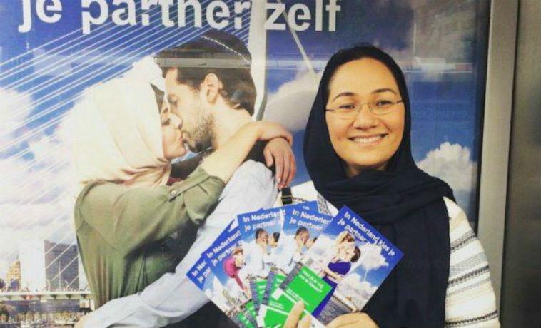 Pays-Bas: Shirin Musa, femme voilée qui promeut les mariages mixtes, se fait taxer «d'islamophobe» par les élites musulmanes