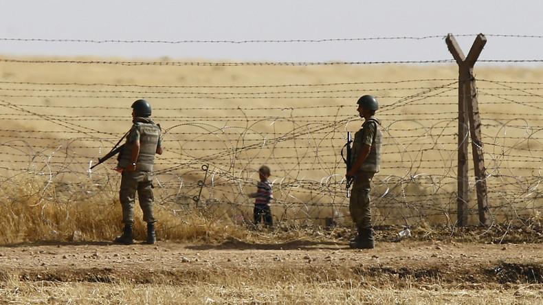 Des soldats turcs se filment en train de rouer de coups des réfugiés syriens (Vidéo sensible)