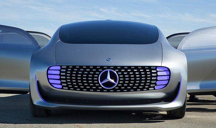 Des start-up israéliennes développent l'automobile sans conducteur qui parle, connectée à vos besoins