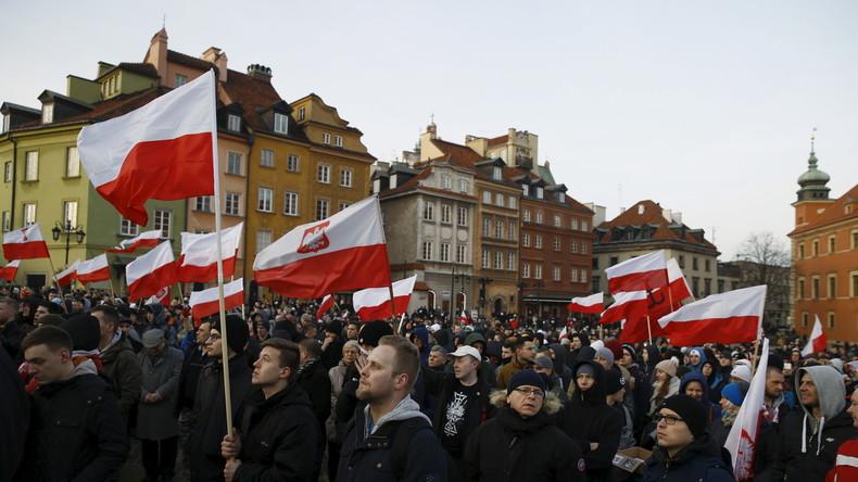 Après les attentats en Espagne, la Pologne appelle l'UE à «fermer la porte» à l'immigration «Chez nous, nous n'avons pas de communautés musulmanes, base naturelle pour le développement des terroristes islamistes»