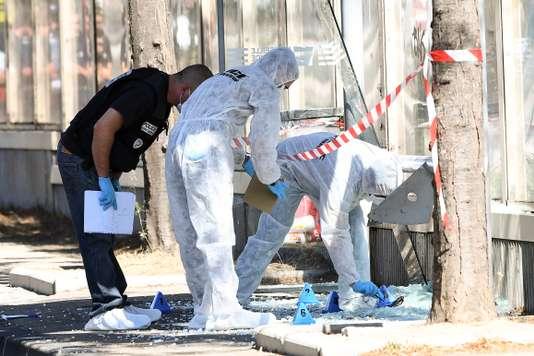A Marseille, un véhicule fonce sur deux Abribus, un mort un blessé