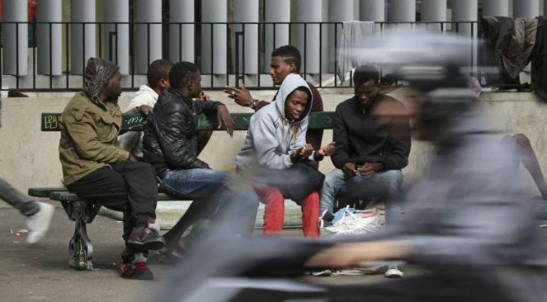 «Bienveillance» de Macron ou pas : 61% des Français sont toujours opposés à l'accueil des migrants sur le territoire