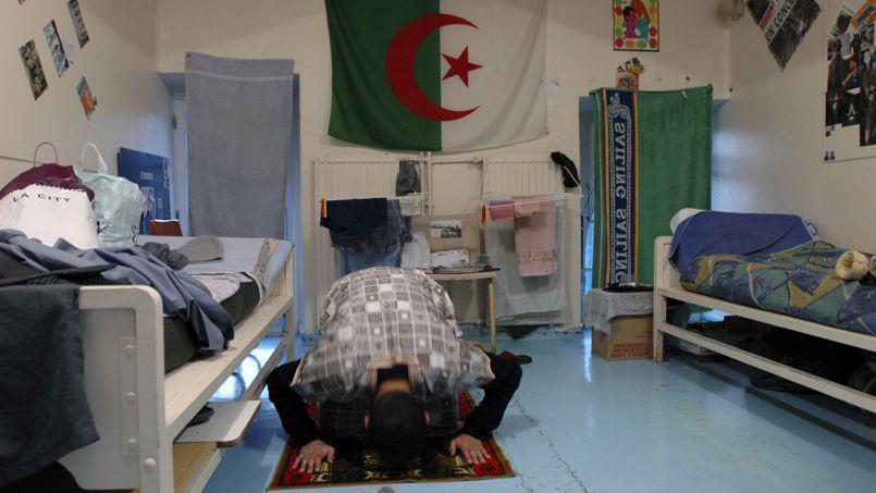 Prison de Bourg-en-Bresse : Un surveillant marche sur son tapis de prière, le détenu l'étrangle violemment