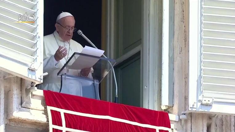 Crise migratoire : Le pape François met-il la chrétienté en danger en prenant des positions pro-migrants ?