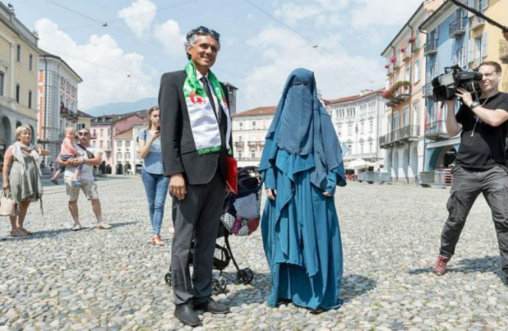 Burqa : l'Autriche met en garde le millionaire franco-algérien Rachid Nekkaz qui paye les amendes pour port de la burqa
