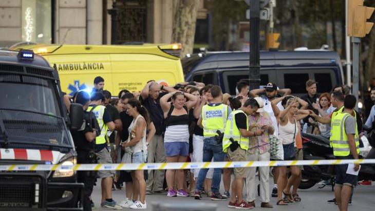 [Vidéo] Un héros anonyme israélien sauve deux enfants lors de l'attentat de Barcelone