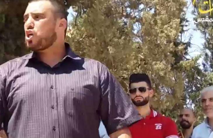 Sermon à la mosquée Al-Aqsa : le cheikh Ali Abou Ahmed critique les dirigeants arabes qui ont condamné l'attentat de Barcelone au lieu de combattre les Juifs