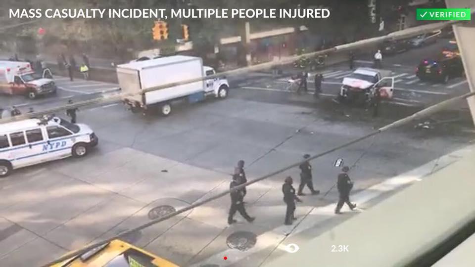 [Video] New York: une terroriste renverse des gens avant de les abattre, plusieurs morts et de nombreux blessés
