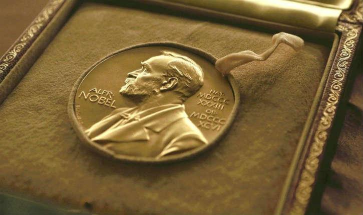 194 prix Nobel, sur un total de 871, ont été attribués à des lauréats d'origine juive, sachant que les Juifs ne comptent que 0,2 % de la population mondiale