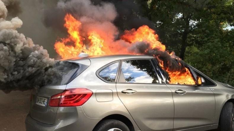 Les islamo-gauchistes font une opération «chasse aux DRH» : débordements et voitures brûlées au bois de Boulogne