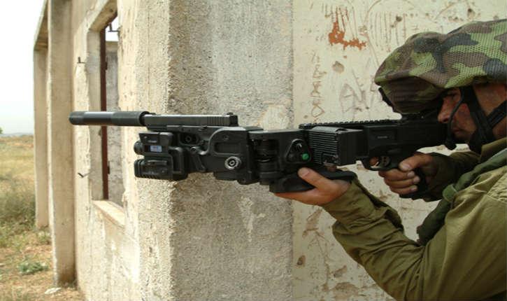 Israël : le fusil à tirer dans les coins «leCornerShot» a été conçu pour lesSWATetforces spéciales