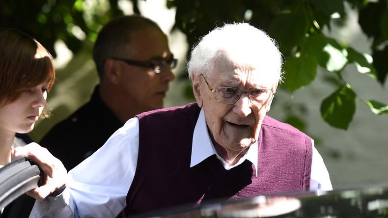 Malgré ses 96 ans, le comptable d'Auschwitz jugé apte à purger sa peine de prison
