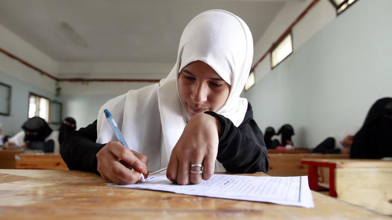 Grande Bretagne: les inspecteurs scolaires interrogeront les jeunes musulmanes voilées à l'école sur les raisons pour lesquelles elles portent le hijab