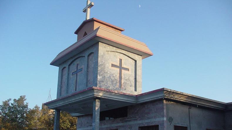 Au moins huit morts dans une attaque suicide contre une église au Pakistan, à quelques jours de Noël