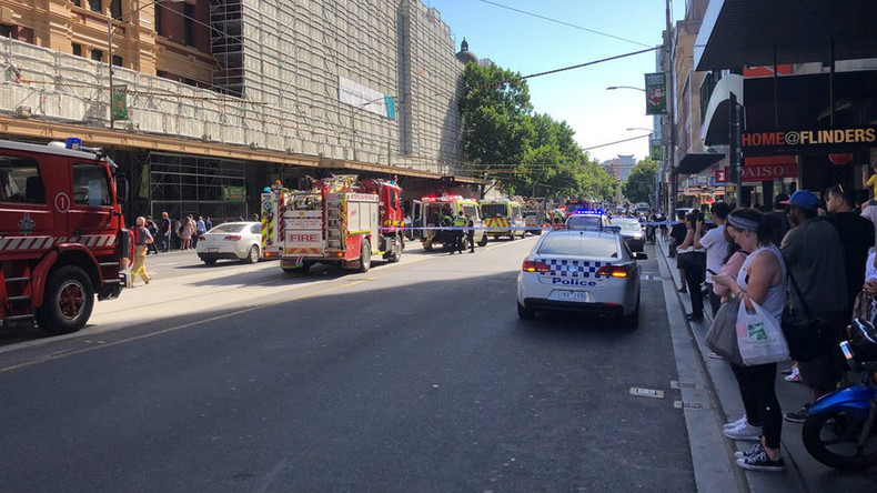Attaque à la voiture bélier à Melbourne : Une voiture fonce dans la foule et blesse 19 personnes. La «piste terroriste écartée»…