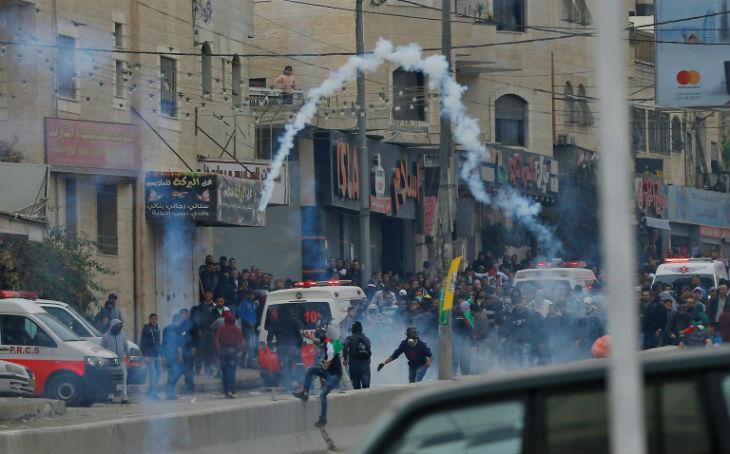 Affrontements entre Palestiniens et soldats israéliens près de la Tombe de Josué pour empêcher les Juifs de prier