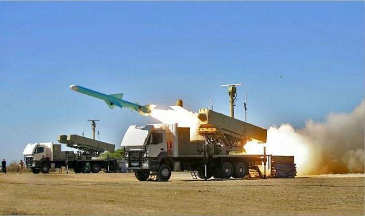 Les rebelles pro-iraniens tirent un missile balistique en direction du ministère saoudien de la Défense