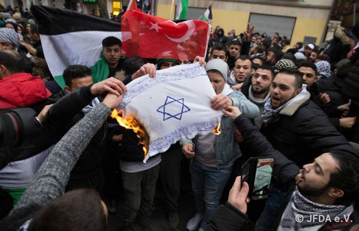 Antisémitisme : en Belgique, une dangereuse escalade «Plus il y a de personnes provenant de pays musulmans qui immigrent en Europe, plus l'antisémitisme augmente»