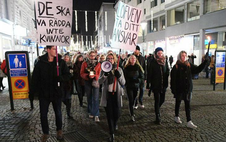 Malmö, Suède : Après une série de viols collectifs, des centaines de Suédoises manifestent