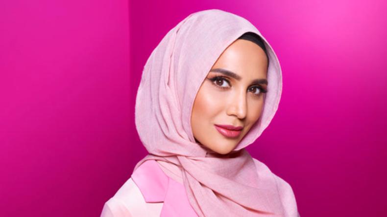 L'Oréal choisit une mannequin voilée pour une publicité pour shampoing