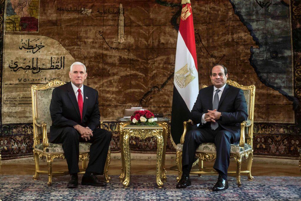 Pence commence sa tournée au Moyen-Orient : soutien de l'Egypte, boycotte des députés arabes israéliens