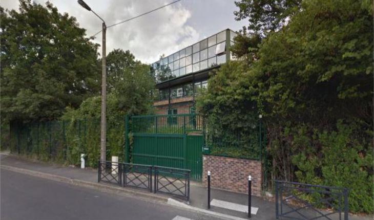 """Une jeune fille juive tailladée au visage à Sarcelles. François Pupponi dénonce """"un acte antisémite odieux"""""""