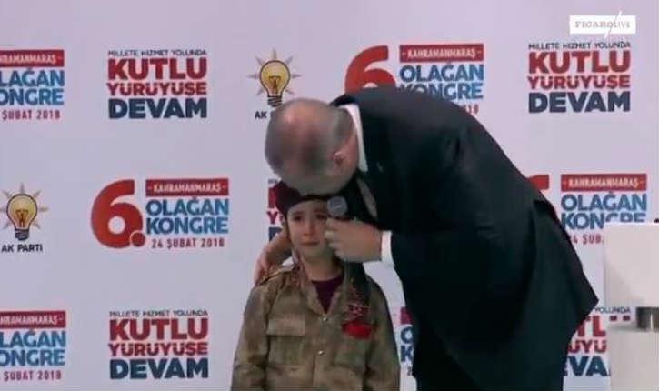 [Vidéo] Erdogan incite une fillette à mourir en martyr : «Si elle tombe en martyr, elle sera recouverte d'un drapeau, si Dieu le veut»