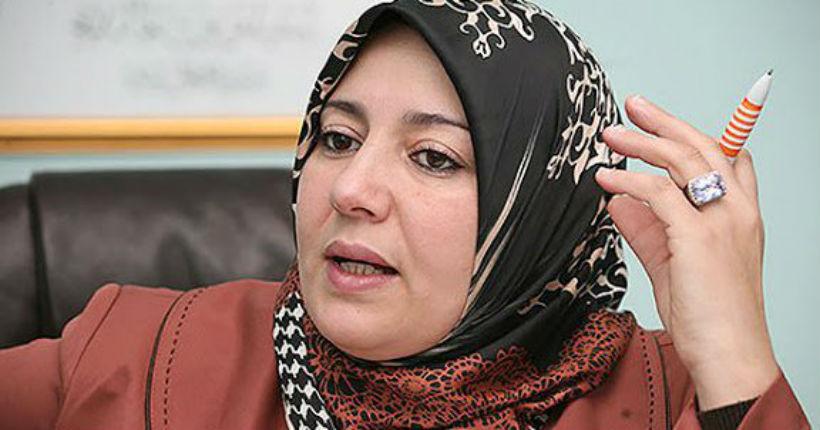 Naïma Salhi, députée algérienne d'un parti islamiste : «Si tu prononces un mot en kabyle, je te tue !»