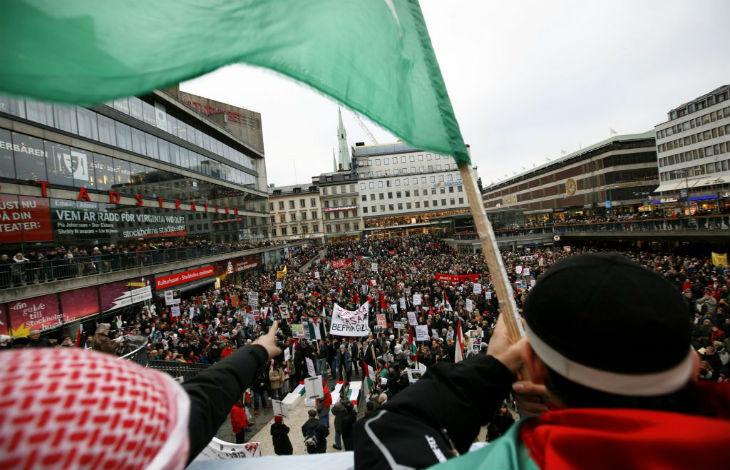A Malmö, en Suède des musulmans propalestiniens appellent à «tuer les juifs». «L'antisémitisme actuel vient principalement des immigrés musulmans»