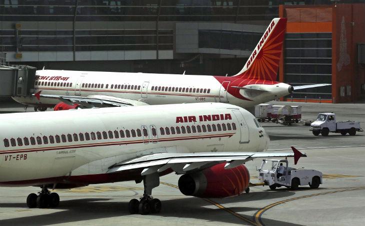 Décollage du premier vol d'Air India entre Tel-Aviv et New Delhi, survolant l'Arabie saoudite