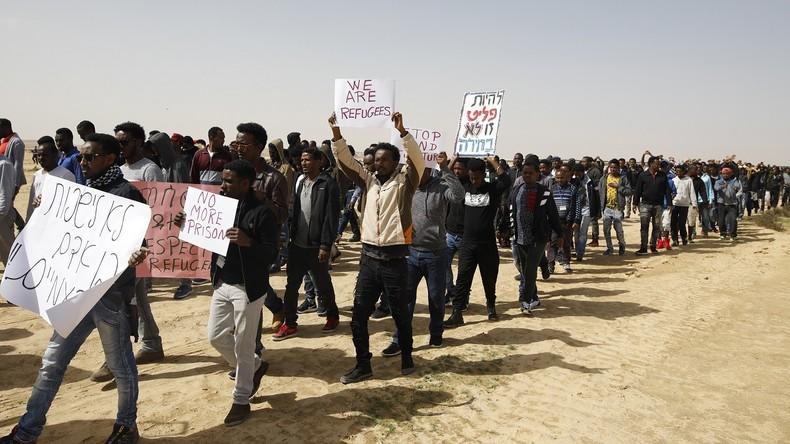 Benjamin Netanyahou «Sans cette barrière, nous serions confrontés à de graves attaques de terroristes du Sinaï et, pire, à une arrivée massive de migrants africains illégaux»
