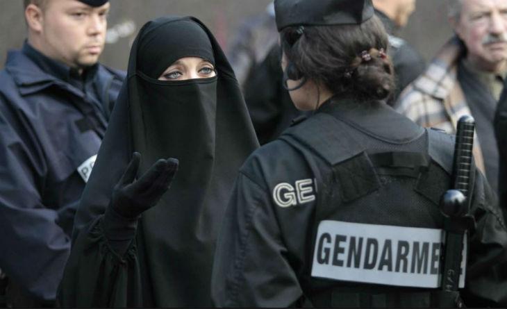 Le « séparatisme islamiste » n'avance pas masqué, il est flamboyant