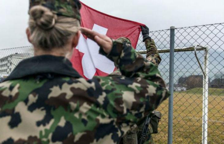 Suisse: Le port du voile compatible avec le règlement vestimentaire de l'armée suisse