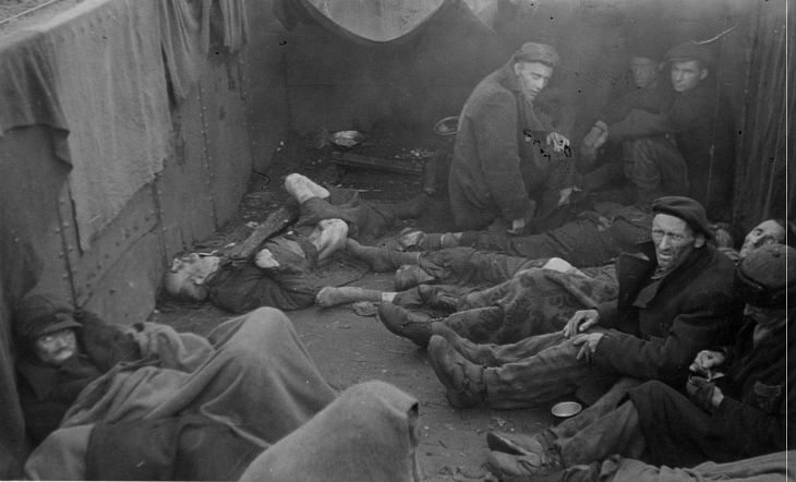 Ces hommes qui sauvèrent 1 200 Juifs de Theresienstadt. 1944-1945