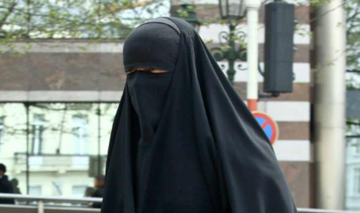 Toulouse : le contrôle d'une femme en niqab par la police dégénère