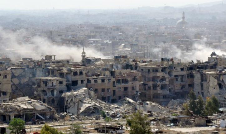 Les forces aériennes syriennes frappent délibérément les civils Palestiniens dans le sud de Damas.