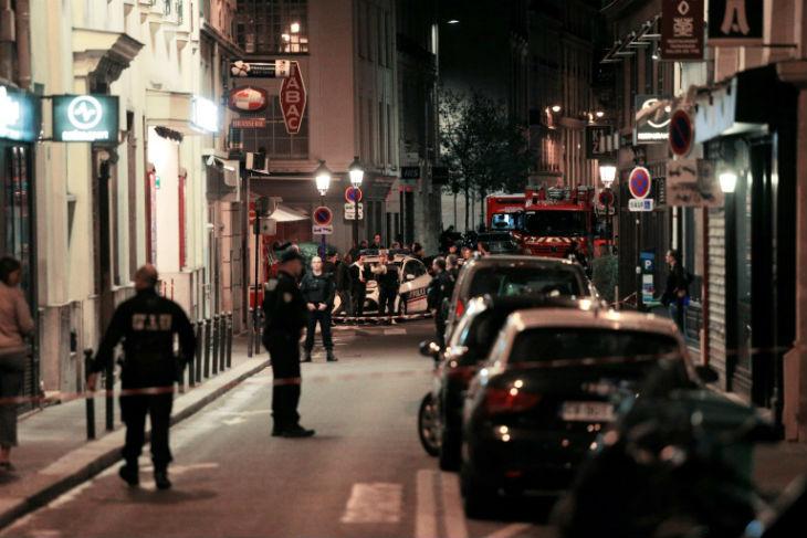 Attaque au couteau à Paris: le terroriste islamiste qui aurait égorgé une personne était un «Français» né en Tchéchénie fiché S