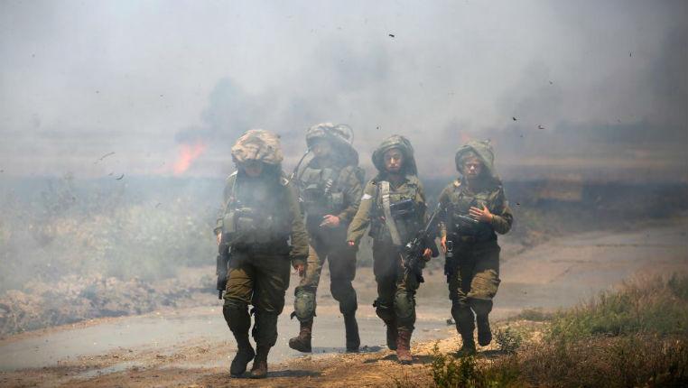 Gaza : Témoignage d'un soldat israélien «J'ai vu un Palestinien essayer de me tirer dessus avec une Kalashnikov. J'ai vu des centaines de Palestiniens, la haine dans les yeux, essayer de traverser la barrière dans l'espoir de me lyncher»