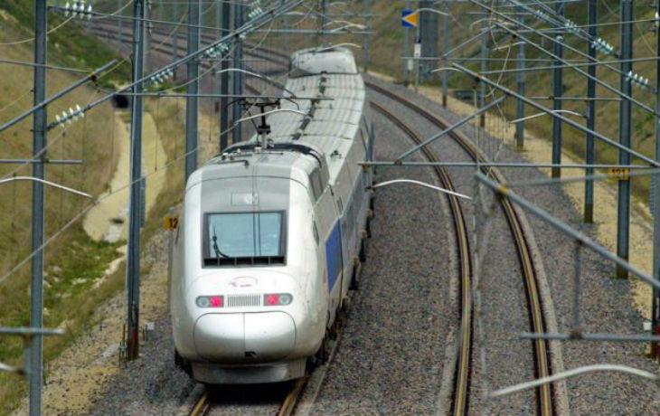 """Mont-de-Marsan : à bord d'un TER, il menace de """"tuer tous les passagers avec sa Kalachnikov"""", le suspect est déjà connu de la police"""