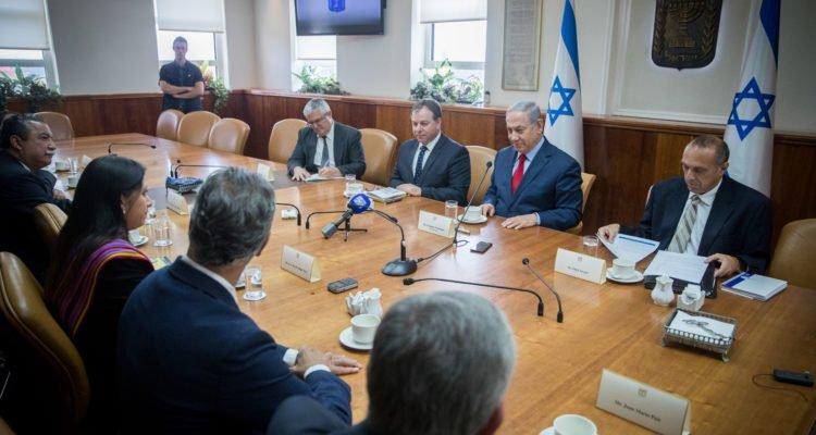 Netanyahu lance le top départ de l'installation des ambassades sud américaines à Jérusalem