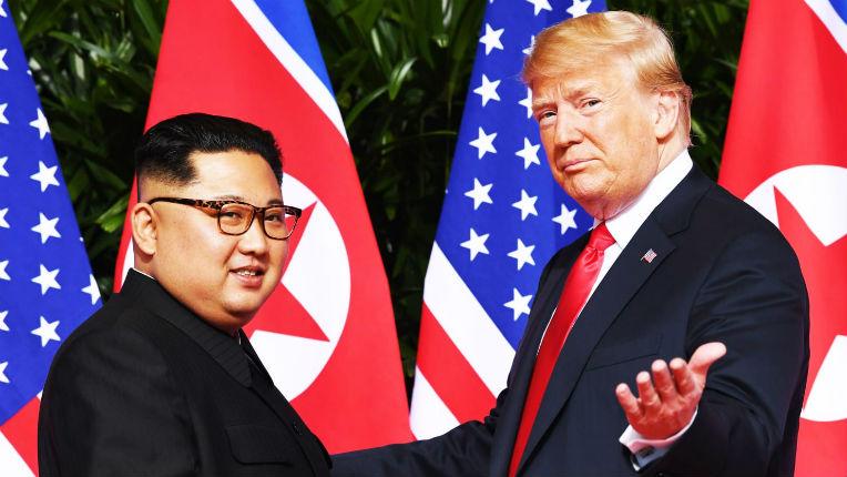 Leçon de diplomatie de Trump : «Dénucléarisation complète» contre «garanties de sécurité», Kim et Trump signent un accord (Vidéo)