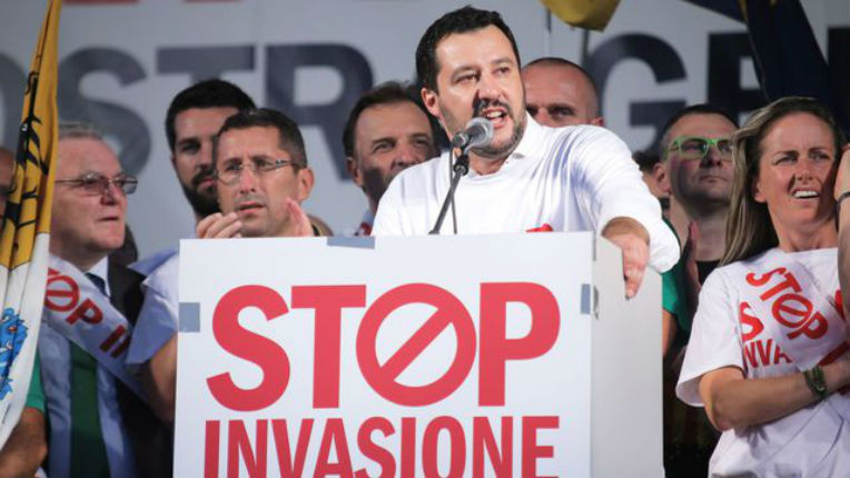 Italie : Salvini fait raser un camp de migrants en Calabre (Vidéo)