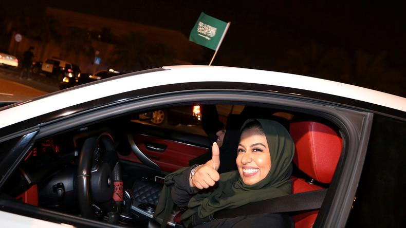 Emues et fières, des Saoudiennes au volant après la levée historique de l'interdiction (Photos et vidéos)