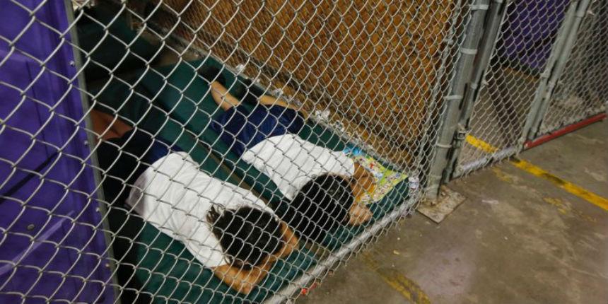 Les Démocrates américains pris en flagrant délit de mensonges contre Trump avec une photo de «gamins migrants dans des cages»(Vidéo)