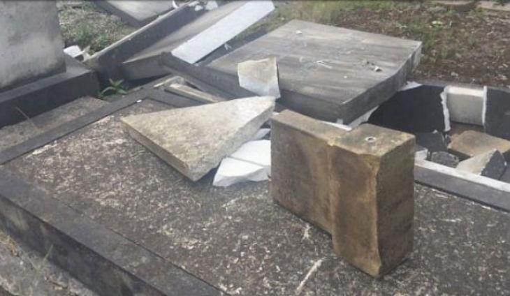 Grande Bretagne : plus de 30 pierres tombales vandalisées au cimetière juif de Manchester