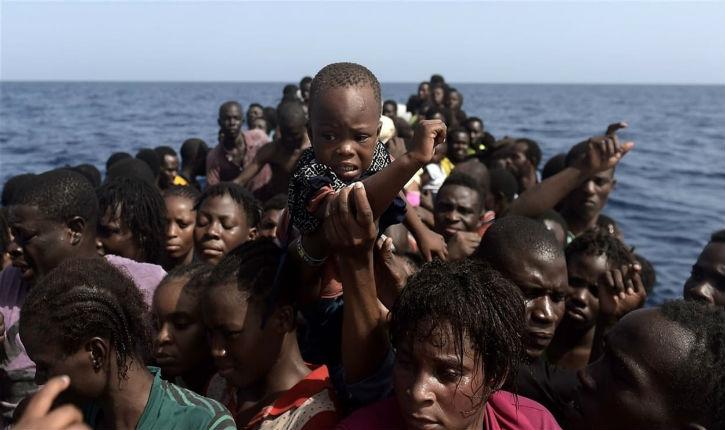 L'Etat tunisien refuse de porter secours aux migrants Noirs bloqués près de sa zone marine