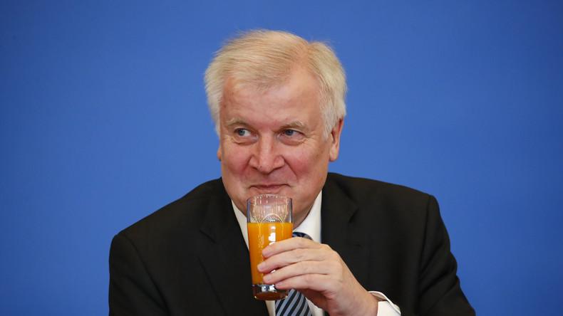 Le ministre de l'Intérieur allemand Horst Seehofer anti-migrant : «Le jour de mon 69e anniversaire, 69 personnes ont été expulsées»