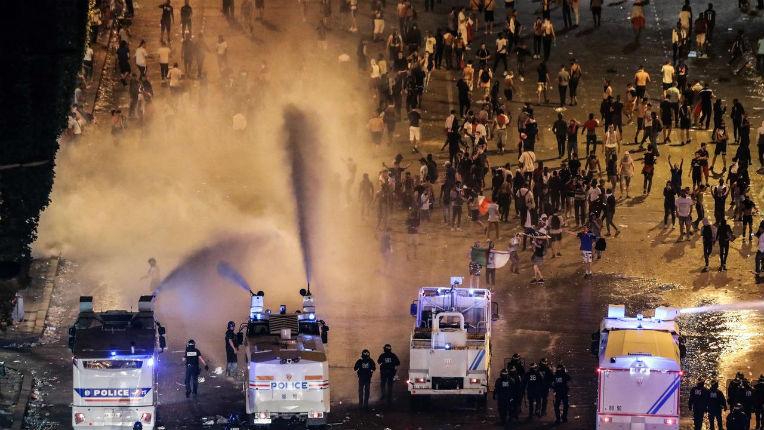 Un syndicaliste policier : « Les médias tentent de minimiser, ce qu'il s'est passé, il faut le dire, ce n'est pas quelques incidents, c'est gravissime »