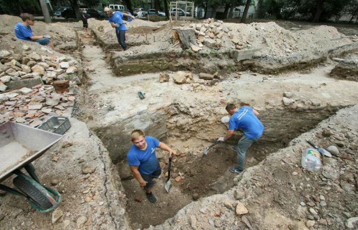 Découverte de la bimah de la célèbre synagogue de Vilnius rasée pendant la guerre